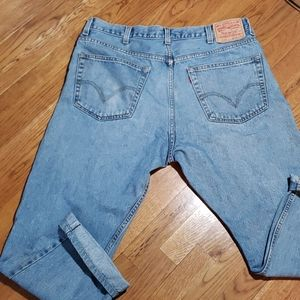Vintage Levis 505 regular fit. 38. 16